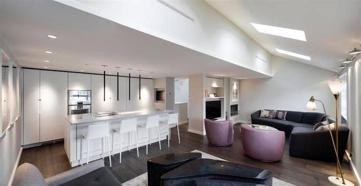 Wilton Terrace: modern Living room by Flower Michelin