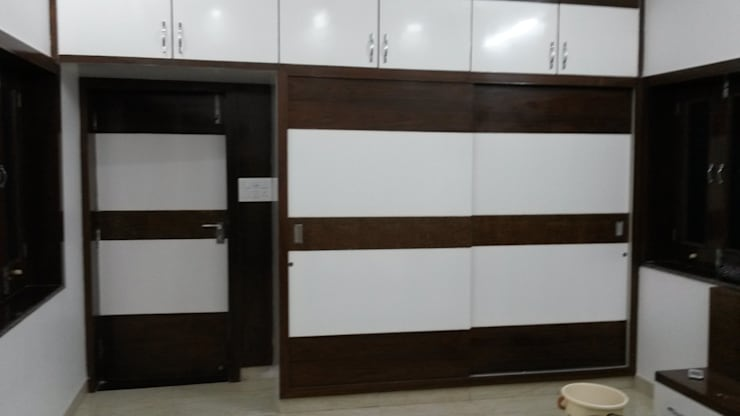 LALIT KUMAR FULWANI:  Bedroom by MAA ARCHITECTS & INTERIOR DESIGNERS