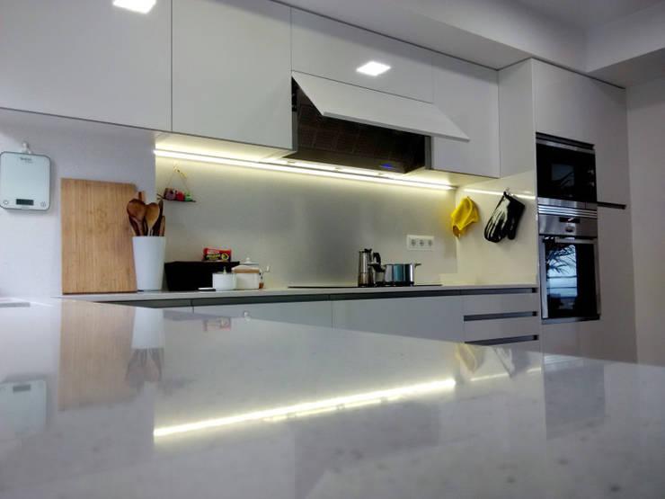 moderne Küche von femcuines