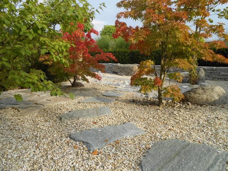 Der Stille Fluss: rustikaler Garten von Alois Wilken GmbH