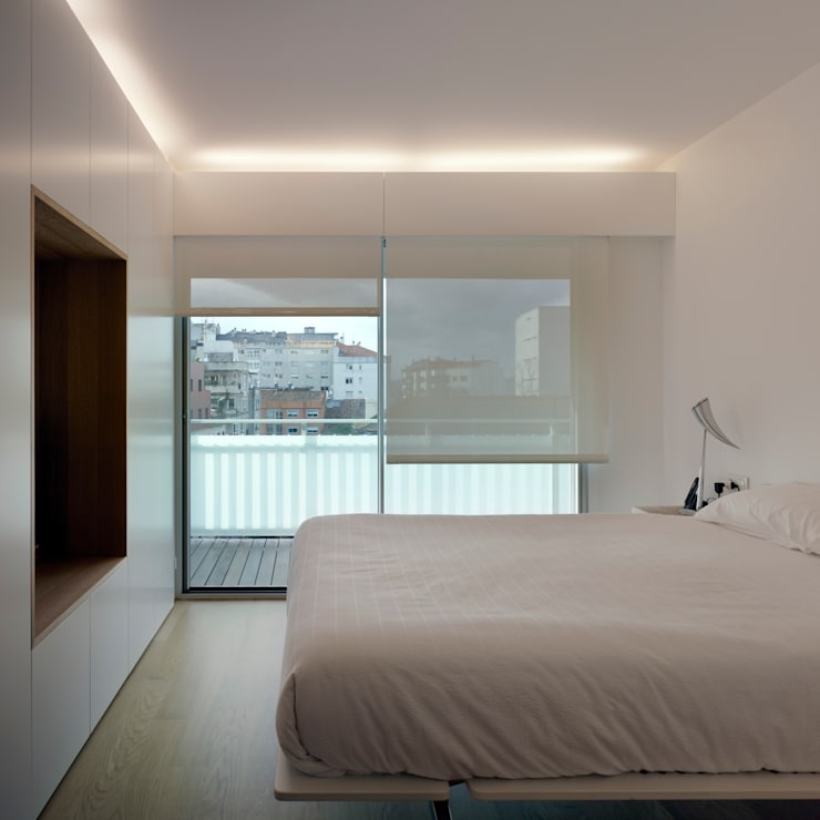 vista de dormitorio: Dormitorios de estilo  de Alfredo Sirvent, arquitecto