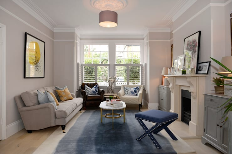 classic Living room by Ruth Noble Interiors