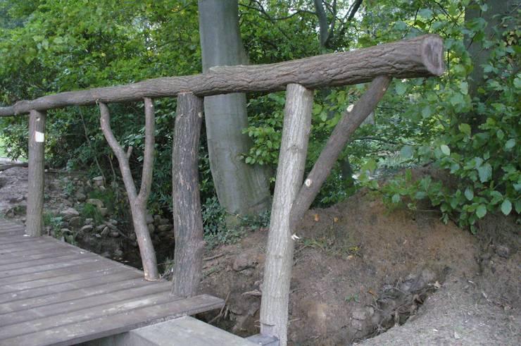 van boom tot brug:  Kunst  door Meubelmakerij Luitjens