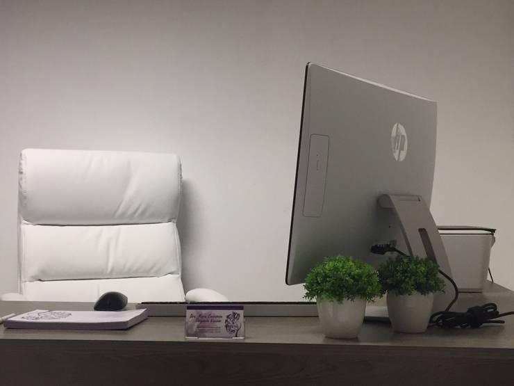 Klinik oleh MINT INTERIORISMO, Modern