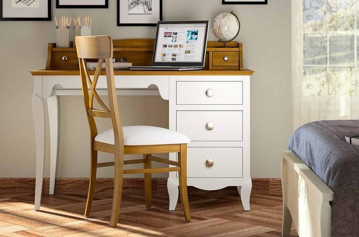Dormitorios : Estudio de estilo  de CREA Y DECORA MUEBLES