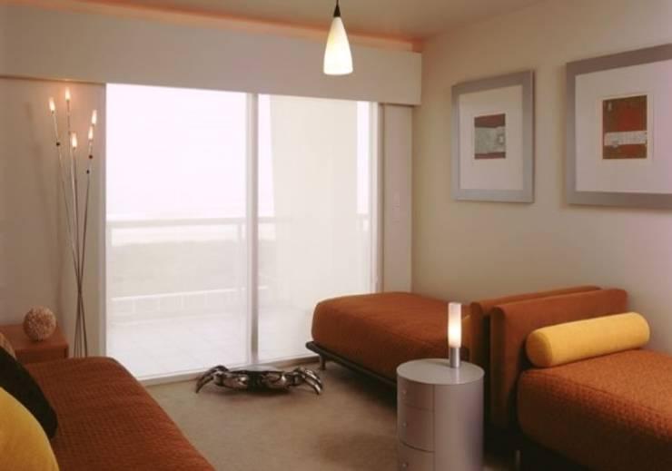 Interiorismo Departamentos Las Ventanas: Salas de estilo  por BAO