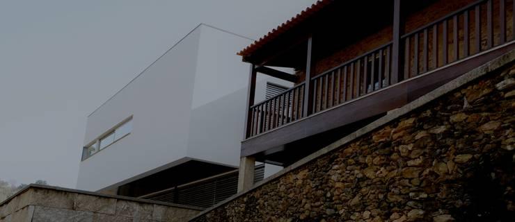 RECUPERAÇÃO E AMPLIAÇÃO  I MORADIA CANEIRO:   por PAULA NOVAIS ARQUITECTOS E DESIGN