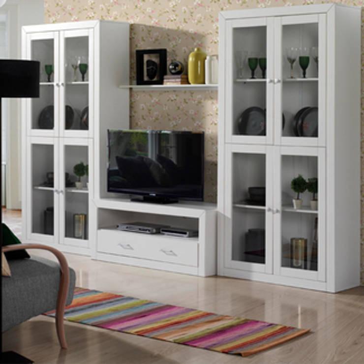 Conjunto de salón Kynus blanco, diseño robusto en pino macizo y Mdf lacado.: Salones de estilo  de Icommers Every S.L.