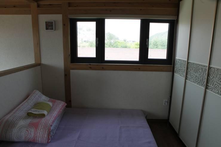 B: E-포레스트의  침실