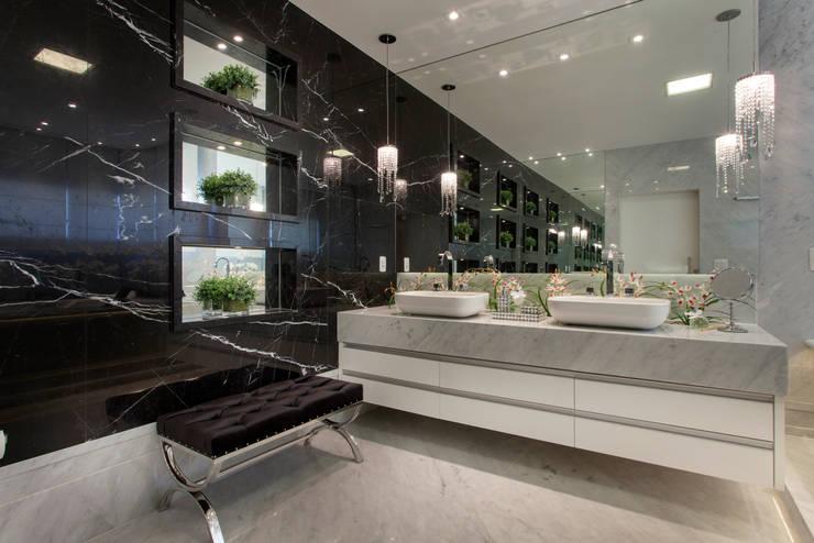浴室 by Arquiteto Aquiles Nícolas Kílaris