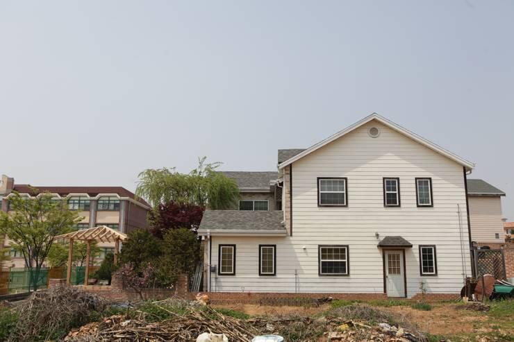 우측면: E-포레스트의  주택