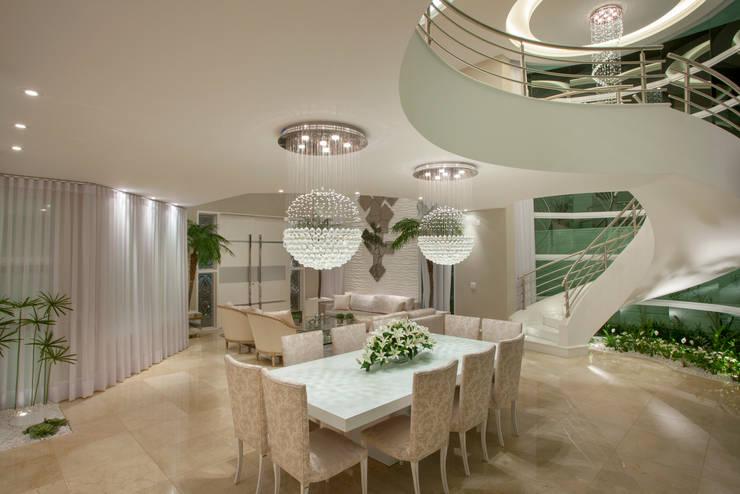 modern Dining room by Arquiteto Aquiles Nícolas Kílaris