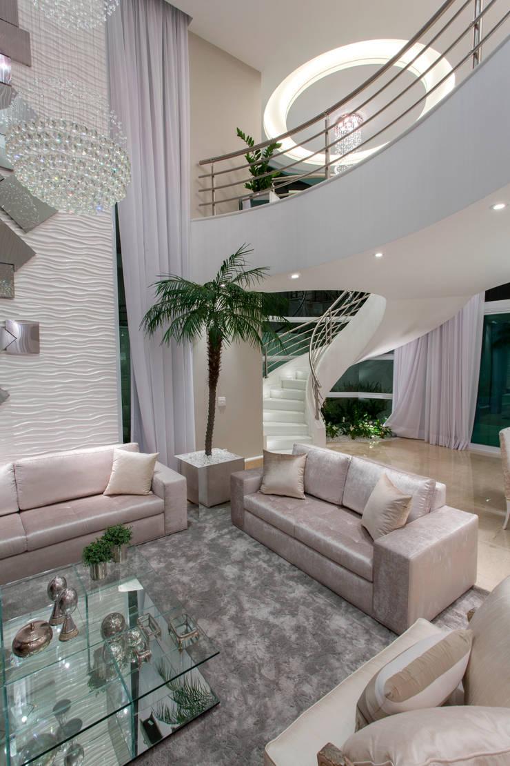 Casa Buriti Salas de estar modernas por Arquiteto Aquiles Nícolas Kílaris Moderno