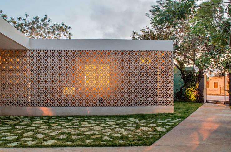 Pabellón 3e: Casas de estilo moderno por TACO Taller de Arquitectura Contextual