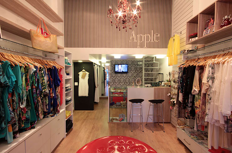 Loja Apple - moda feminina: Lojas e imóveis comerciais  por Celia Beatriz Arquitetura,Moderno