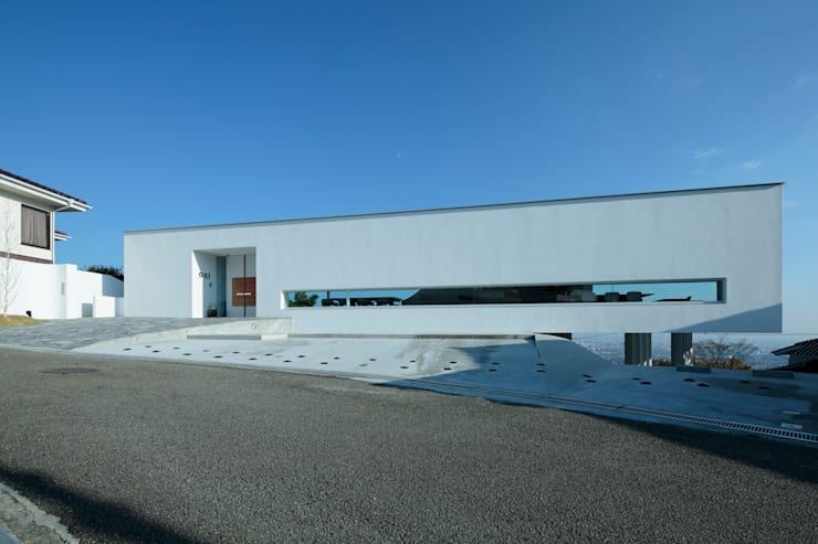 山と開口: EASTERN design office イースタン建築設計事務所が手掛けた家です。
