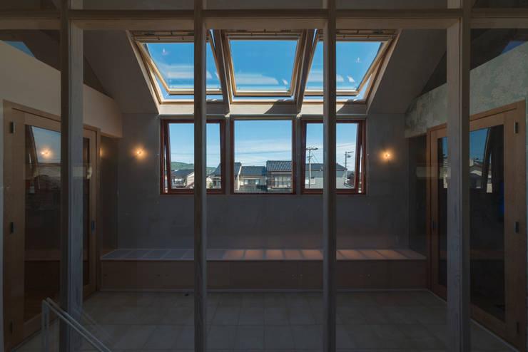 .: 水野行偉建築設計事務所が手掛けた窓です。