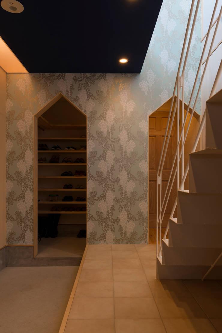 .: 水野行偉建築設計事務所が手掛けた廊下 & 玄関です。