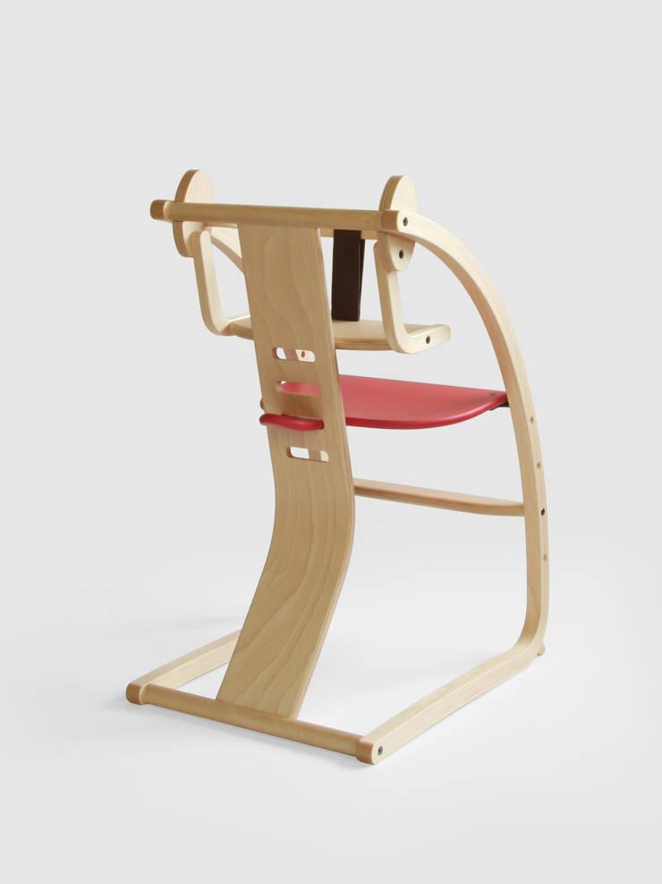 Bambini + baby set (STC-02): 佐々木デザインインターナショナル株式会社が手掛けたリビングルームです。