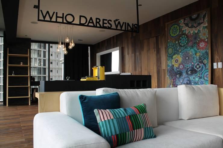 Salas / recibidores de estilo moderno por Hat Diseño