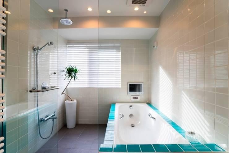 バスルーム: QUALIAが手掛けた浴室です。,