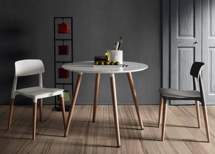 Jadalnia w stylu skandynawskim: styl , w kategorii Jadalnia zaprojektowany przez Le Pukka Concept Store