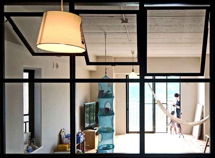 LIVING: GRID DESIGN 株式会社が手掛けた窓です。,北欧