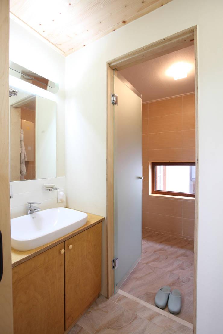 건식 세면대: 주택설계전문 디자인그룹 홈스타일토토의  욕실