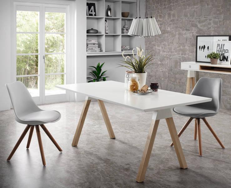 Jadalnia w stylu skandynawskim - biel i drewno: styl , w kategorii Jadalnia zaprojektowany przez Le Pukka Concept Store