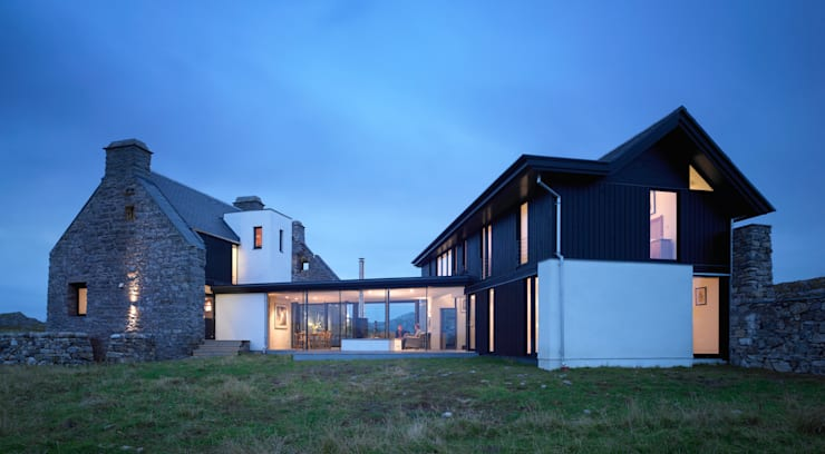 Exterior View:  Houses by WT Architecture