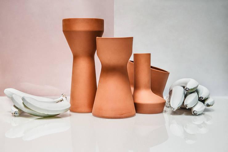 Benjamin Hubert's Pots: Cocina de estilo  de Marta del Valle