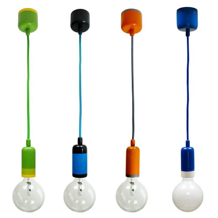 Lampy NaOprawka Kolor: styl , w kategorii Jadalnia zaprojektowany przez Pracownia Sztuki Użytkowej