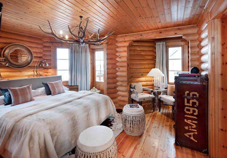 Hoteles de estilo alpino: Hoteles de estilo  de Estudio de arquitectura Jesús del Valle