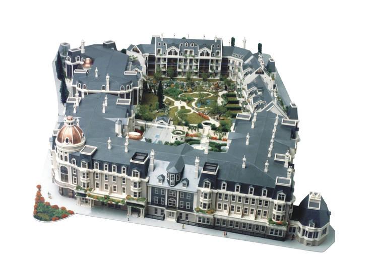 Residencial 'Royal Garden Square':  de estilo  de Estudio de arquitectura Jesús del Valle