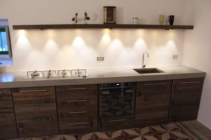 Cocinas de estilo  por Antonio D'aprile Architetto