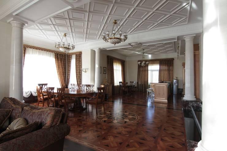 Коттедж в п. Шувакиш: Столовые комнаты в . Автор – Архитектурно-дизайнерская студия 'Арт Диалог'