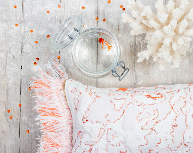 Fringe N°6 - Coral :   door Roos Soetekouw Design, Eclectisch
