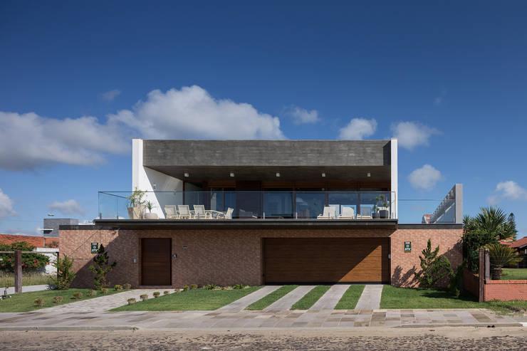 Projekty,  Domy zaprojektowane przez Seferin Arquitetura
