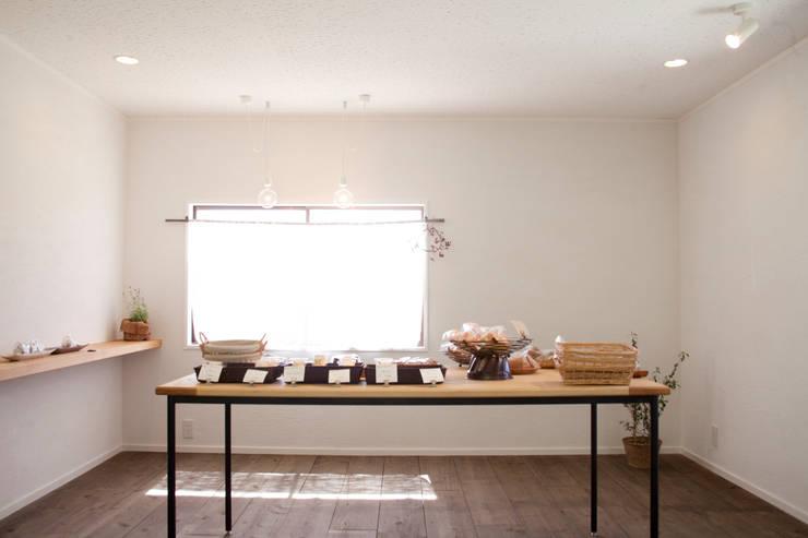 kanmi1: 井上貴詞建築設計事務所が手掛けた商業空間です。