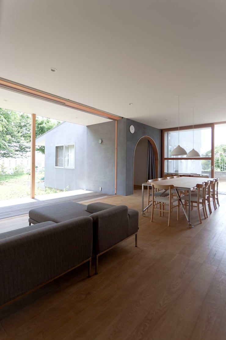 SHR house: sun tan architects studioが手掛けたダイニングです。