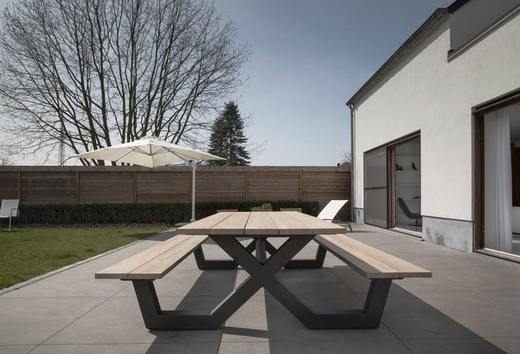 terrazza esterna: Terrazza in stile  di GIASIL