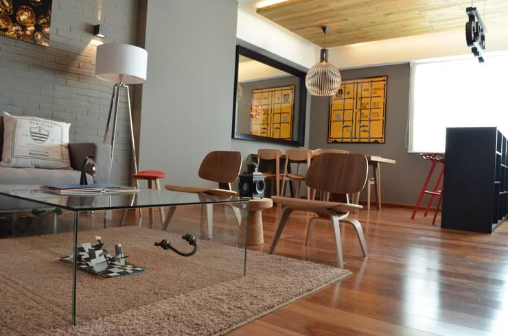 Clásicos en una sala, Hat Diseño: Salas de estilo  por Hat Diseño