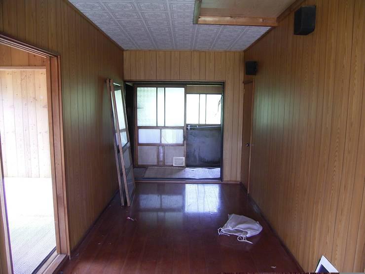 森の家 土間(before): 井上貴詞建築設計事務所が手掛けたです。