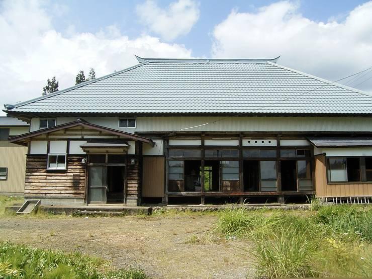 森の家 外観(before): 井上貴詞建築設計事務所が手掛けたです。