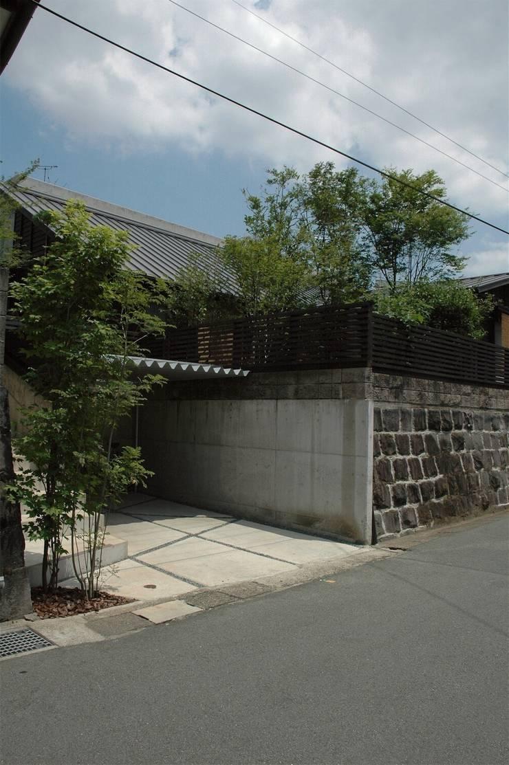 南外観1: ばん設計小材事務所が手掛けた家です。