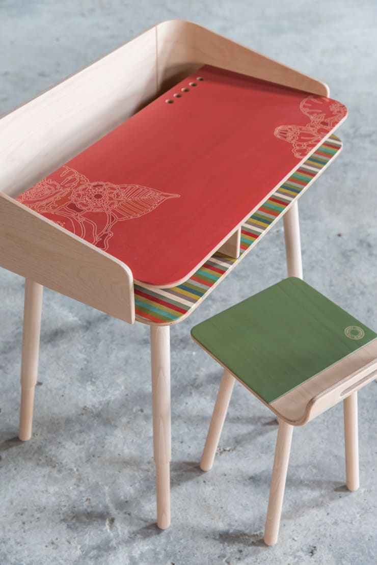 tonton desk rosa & chair green: modern  door eva craenhals, Modern