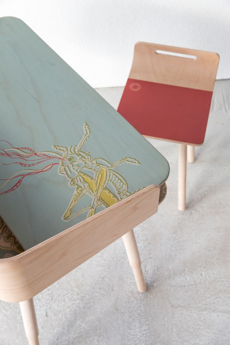 tonton desk hopper & chair red:  Studeerkamer/kantoor door eva craenhals