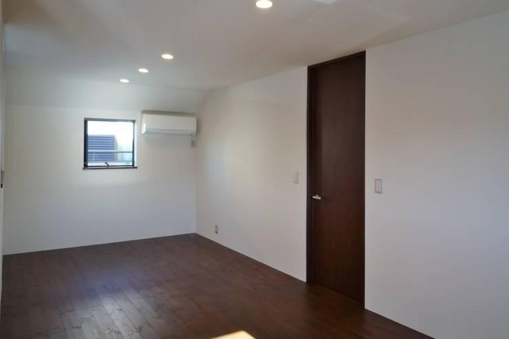 ベッドルーム: 石井設計事務所/Ishii Design Office が手掛けた寝室です。,モダン