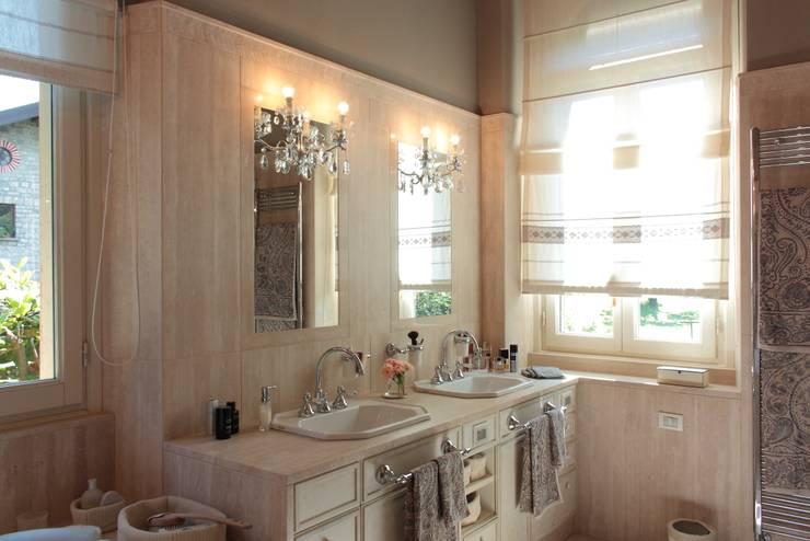 Projekty,  Łazienka zaprojektowane przez Gaia Brunello | Photo&HomeStaging