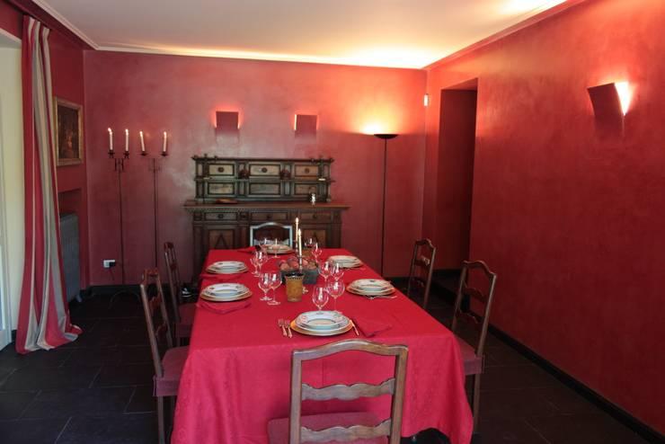 sala da pranzo: Sala da pranzo in stile in stile Classico di Gaia Brunello | Photo&HomeStaging